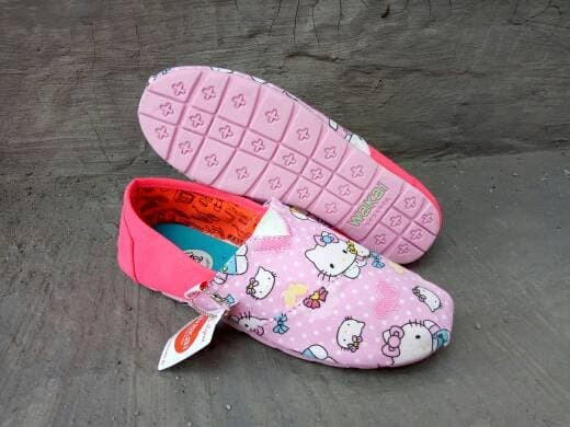harga Sepatu wanita flat shoes motif hello kitty pink slip on cewek murah Tokopedia.com
