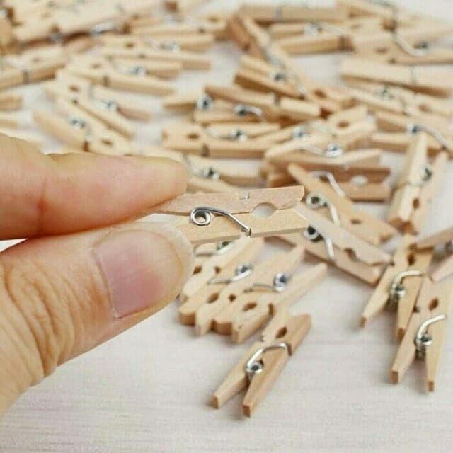 harga Wooden clip jepit kayu polos natural jepitan jemuran foto photo 35cm Tokopedia.com