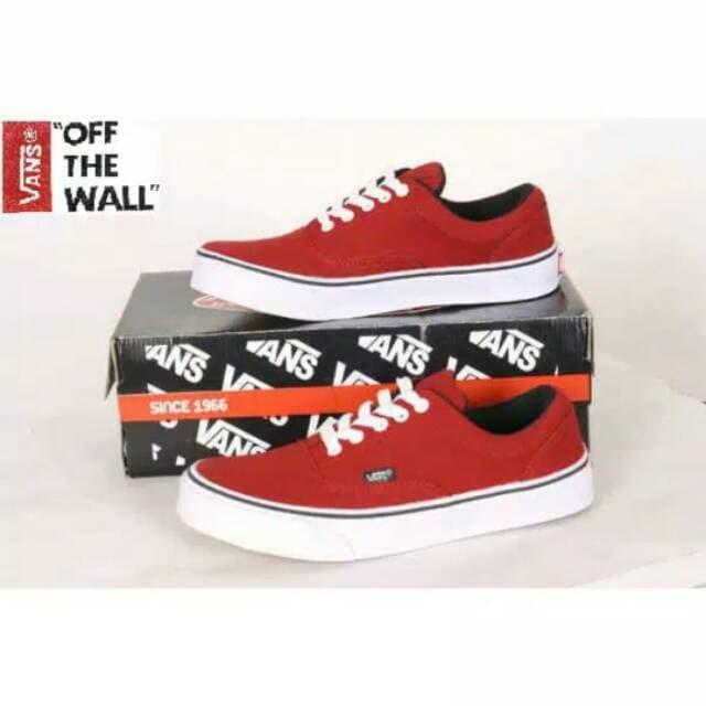 Jual Sepatu casual Pria Vans Era Authentic Hitam Dan Marun F Limited ... b46b48d5f7