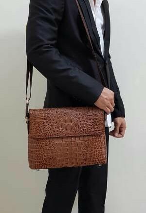 harga Tas selempang pria kulit pattern kulit buaya Tokopedia.com