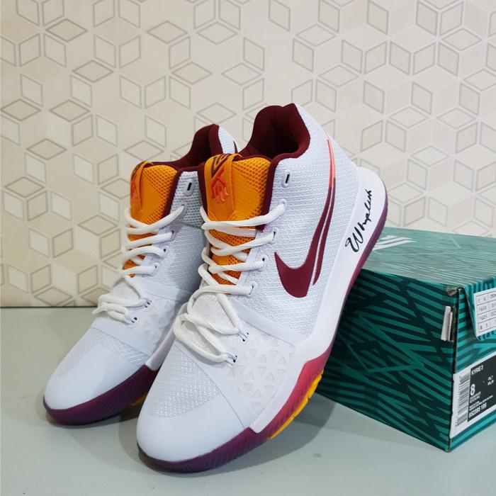 137463ae6ce6 Sepatu Basket Nike KYrie Irving 3 Whiplash Dream White Free Kaos Kaki