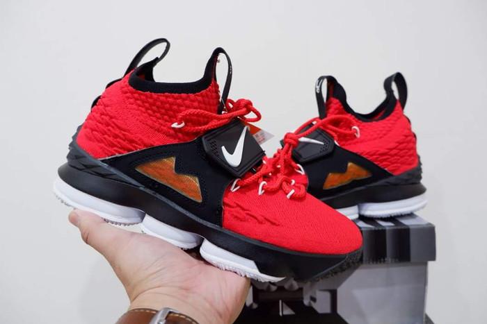 watch bb0ee 615a7 Jual Sepatu Basket Nike Lebron 15 High Red Diamond TURF - Kota Batam -  Sepatubasket.shop | Tokopedia