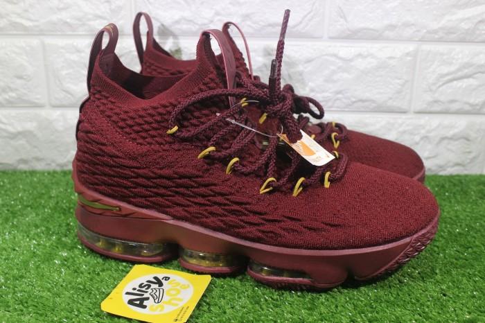 sports shoes 981c4 4bcf8 Jual Sepatu Nike Lebron 15 Burgundy Gold - DKI Jakarta - Alisyashoes    Tokopedia