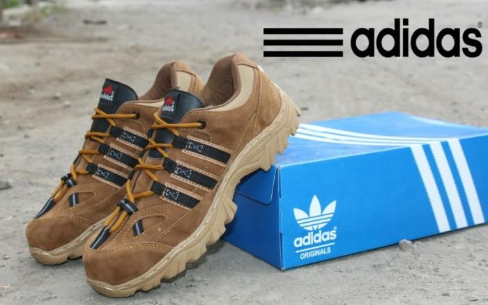 ... harga Sepatu boot safety boots pria adidas mountrack low kulit sepatu  gunung Tokopedia.com. Rp. 235000 a7048fc2c7