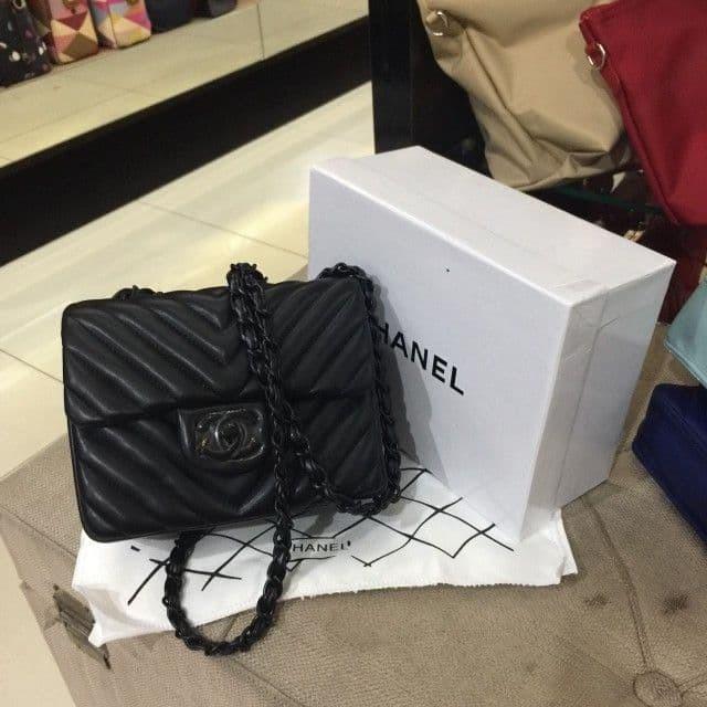 5c11341935d7 Jual Chanel Chevron Quilted Square Mini Flap - BATAM STORE17 | Tokopedia
