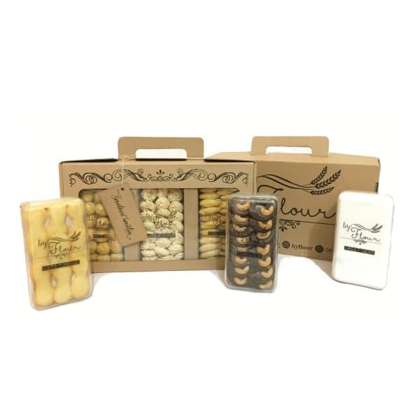 kue lebaran By Flour Cookies Gift Box / Hamper / Parcel / Kue Kering /