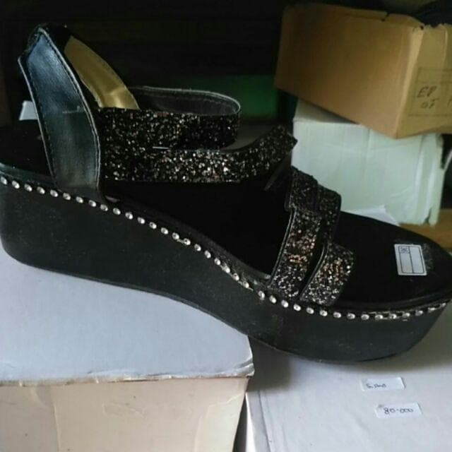 Sandal Wedges Glitter NE14 Hitam - Hitam, 36