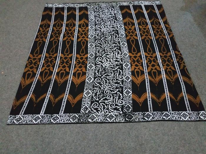 Sarung Batik Cap Gus Azmi Mahda Wadimor
