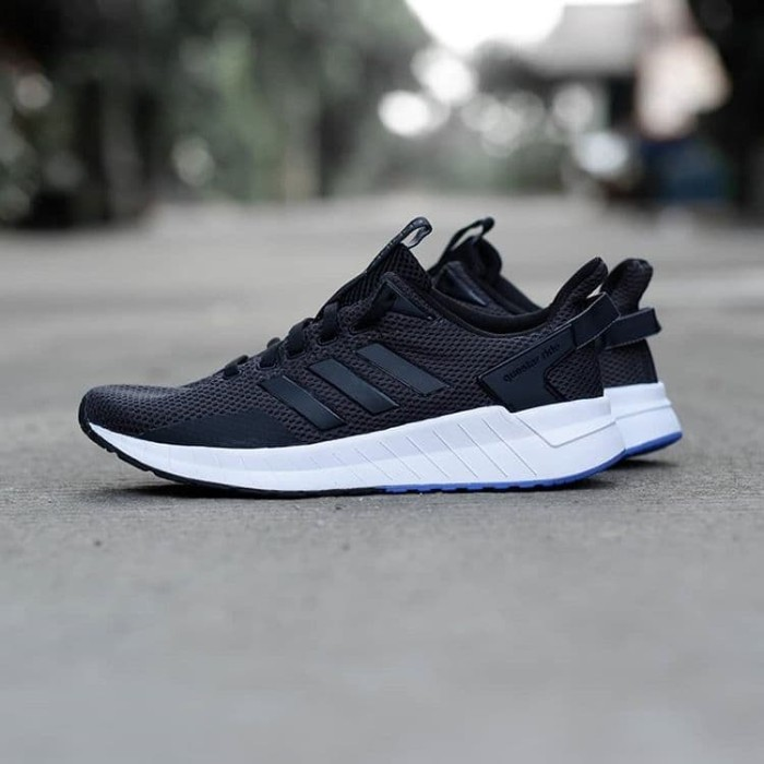 Jual Sepatu Adidas Questar Ride Black Black Sole Blue | BLANJA.com