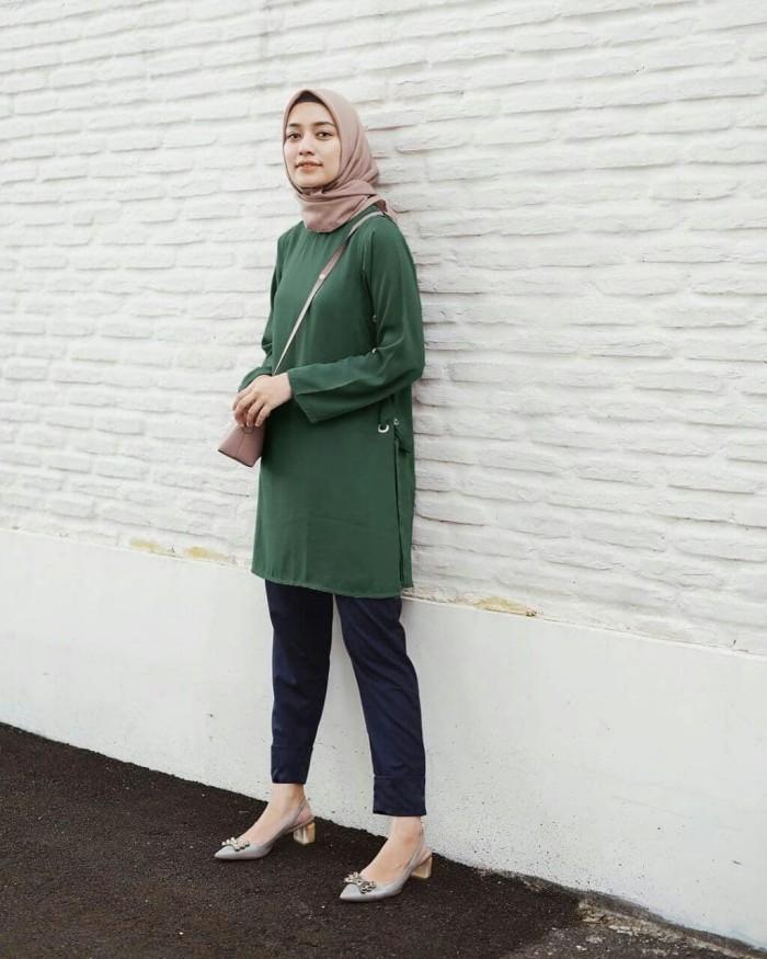Tunik Cala Tunic Baju Kerja Atasan Wanita Muslim Casual Modern Terbaru 49b05359c2