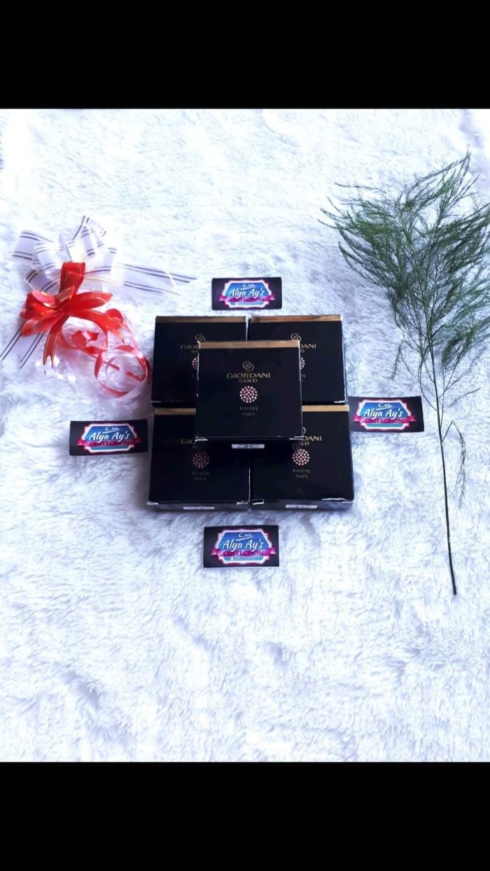 Beli Giordani Gold Essenza Perfumed Body Cream Harga Rp 139000 Blush On Bronzed Beauty Natural Glow