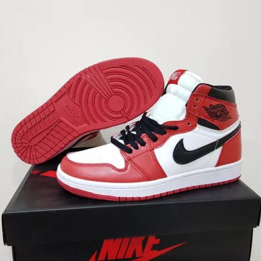 plus de photos 38989 65196 Jual Nike Air Jordan 1 Retro High Chicago - Kota Semarang - Fayra Shoes |  Tokopedia