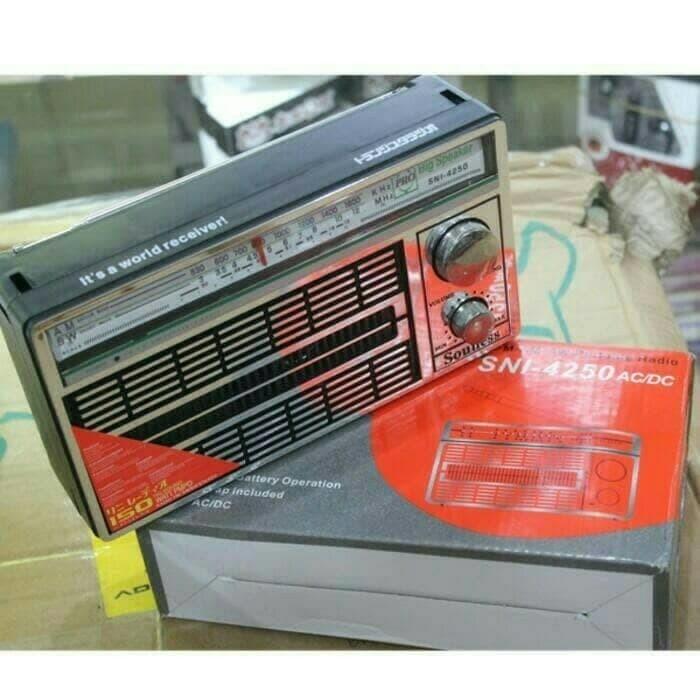 RADIO PORTABLE INTERNATIONAL JADUL 3 BAND FM - AM -SW AC/