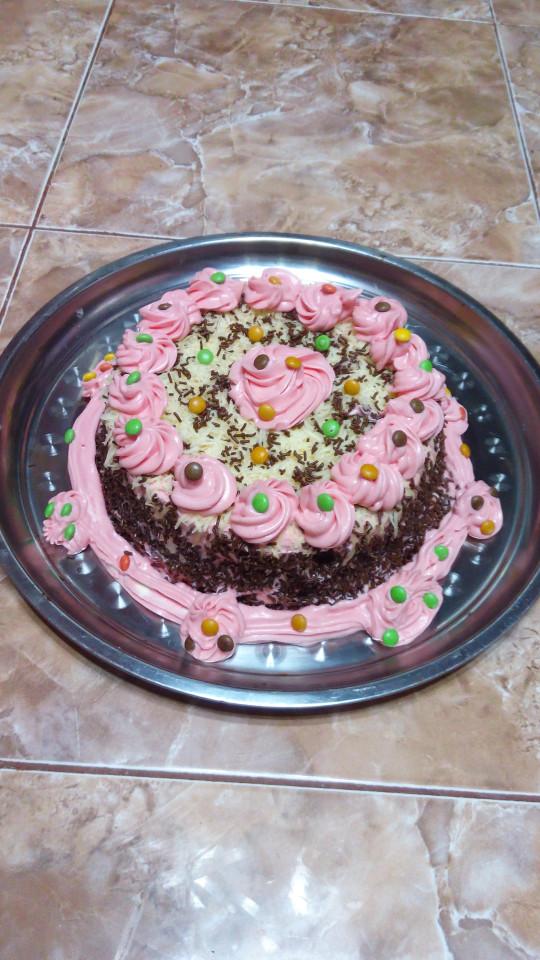 Lihat Spesifikasi TrulyChoco Chocogift Hadiah Ultah Untuk Pacar Source · Kue ulang tahun coklat pink