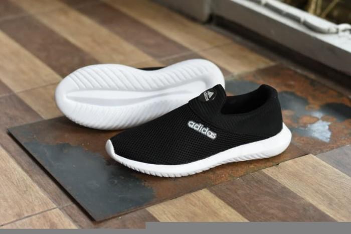 Jual Sepatu Sport Adidas Slip On Slop Murah Casual Hitam Putih