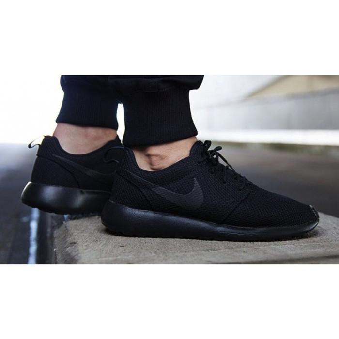 first rate dd65a e14b8 Jual Sepatu Nike Rosherun Full Black Size 36-44 Grade Original Pabrik -  Jakarta Selatan - Maulida Design | Tokopedia