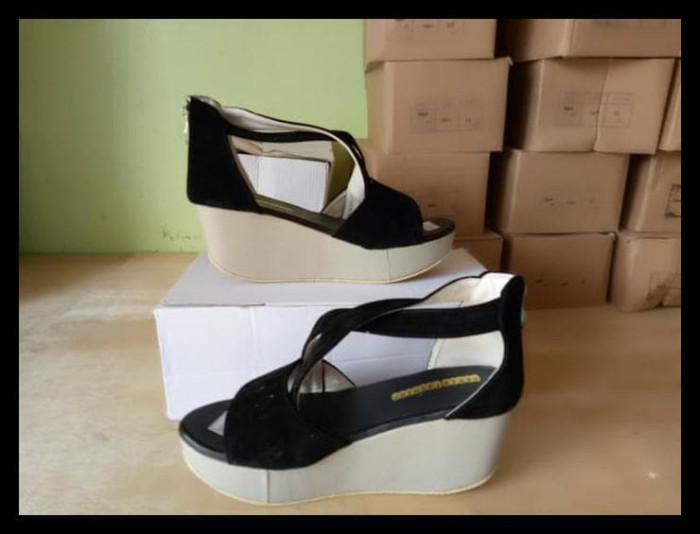 Sandal Wedges Ls02 Hitam