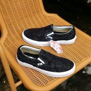 89e70bc633 Jual Sepatu Vans Slip On Floral Jacquard Black BNIB ORIGINAL Paling ...