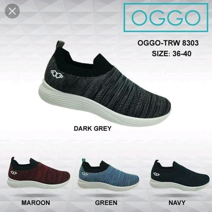 Sepatu slip on sneakers women OGGO tipe 8303 - Abu -abu Tua, 38