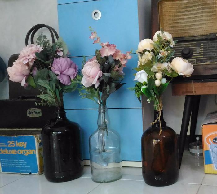 Jual Botol Buat Vas Bunga Bentuk Unik Imut Bekas Minuman Langkah Kota Surabaya Tyas Margera Tokopedia
