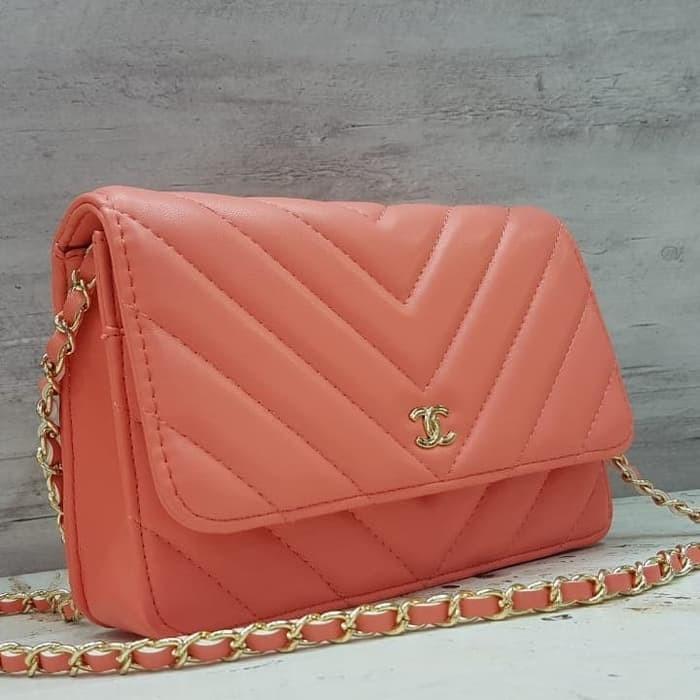Jual Chanel Chevron Wallet On Chain   WOC Sling Bag   Tas Pesta Mini ... 630205dd37