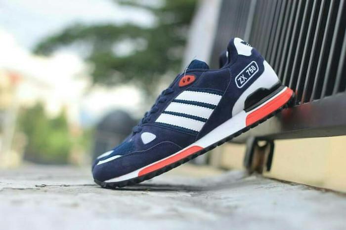Sepatu sporty pria sneakers kasual skate running adidas zx