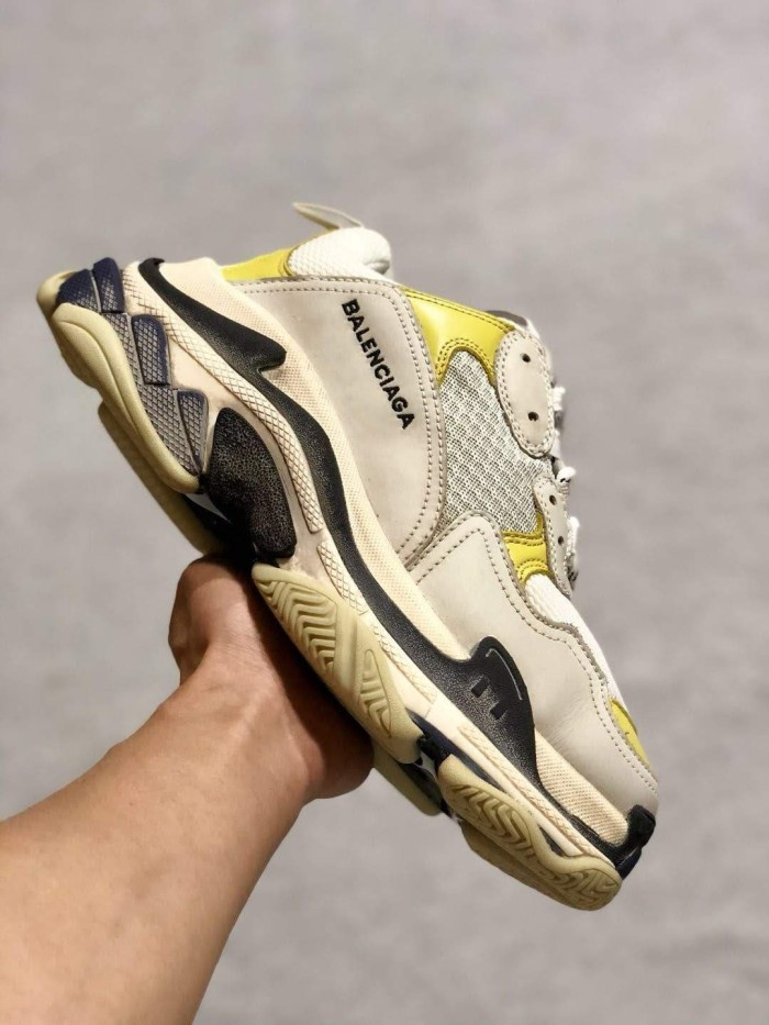 23a4a1e71981 Jual Balenciaga Triple S (GOD VERSION) - WHITE BLACK