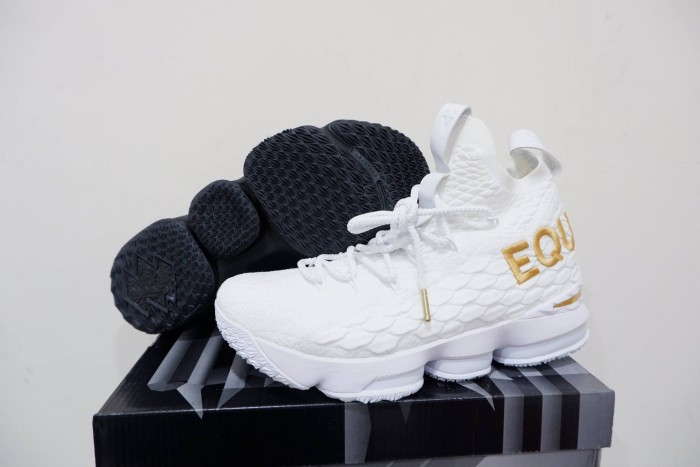 new concept f57a3 c60cc Jual Sepatu Basket Lebron 15 Equality Yin Yang Black White Gold Hitam Putih  - Kota Batam - AJ Basketball Store | Tokopedia