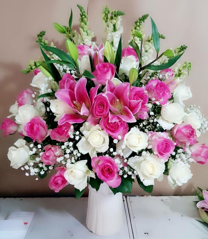 Download 770 Koleksi Gambar Bunga Meja Cantik HD Terbaik