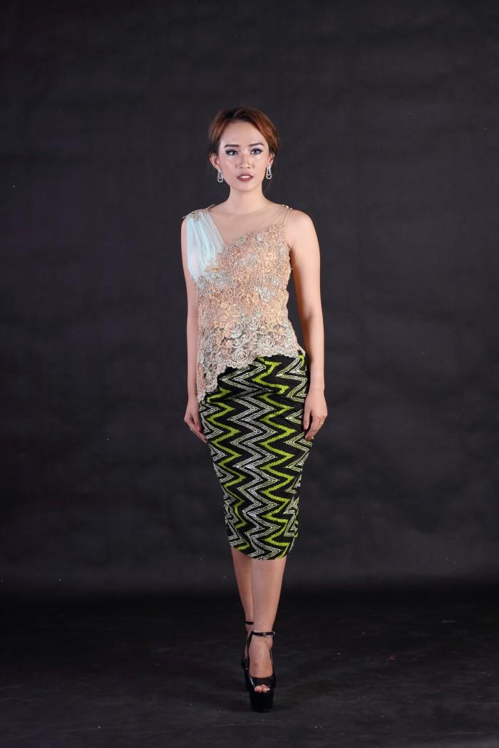 Jual Kebaya Brokat Modern Tanpa Lengan Copper Green Kota Surakarta Arcobaleno Batik Tokopedia
