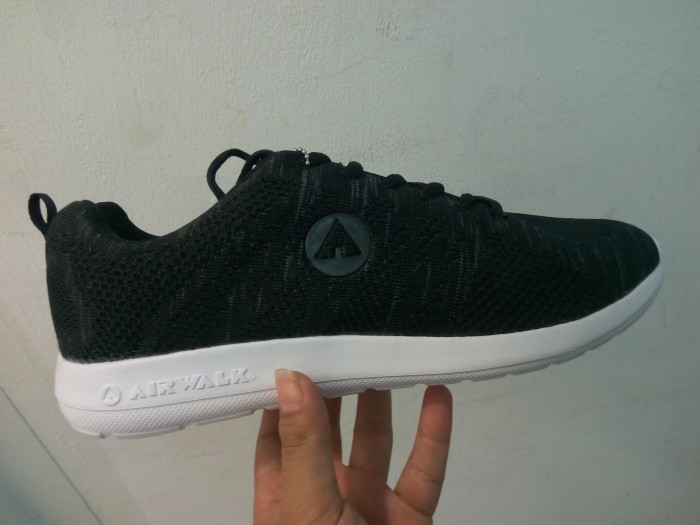 Jual Sepatu Airwalk Original Casual Sneaker Korgan Black 18CM0633B ... f337893e20