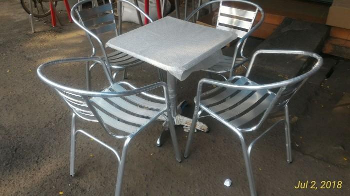 harga 1 set meja aluminium 60x60 dan 4 kursi aluminium cafe kantin pujasera Tokopedia.com
