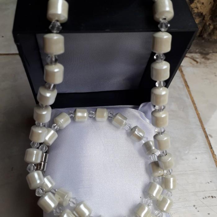 Foto Produk Kalung kesehatan batu magnet putih dari Ayrashop