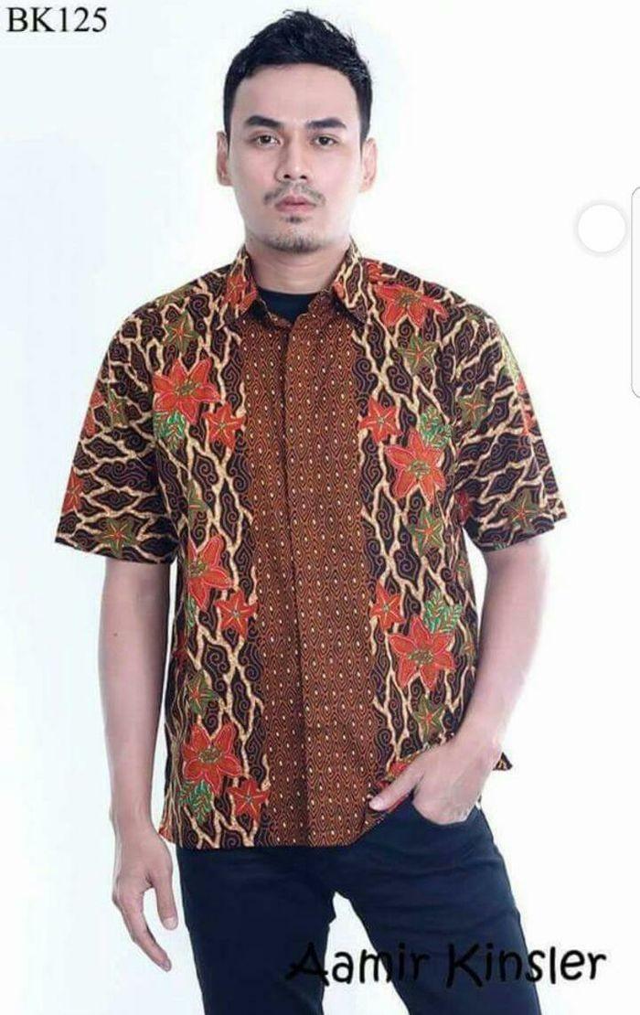 Model Kemeja Batik Pria Batik Pekalongan Laris Hem Batik Kombinasi ad2827ee4f