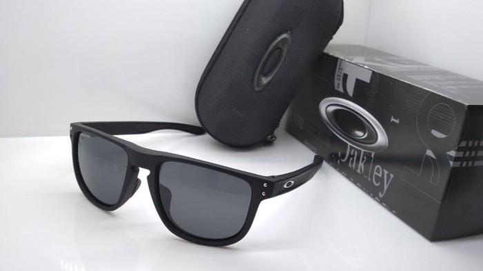 Jual Kacamata Oakley Holbrook R hitam lensa hitam polarized list ... 98922b28e6