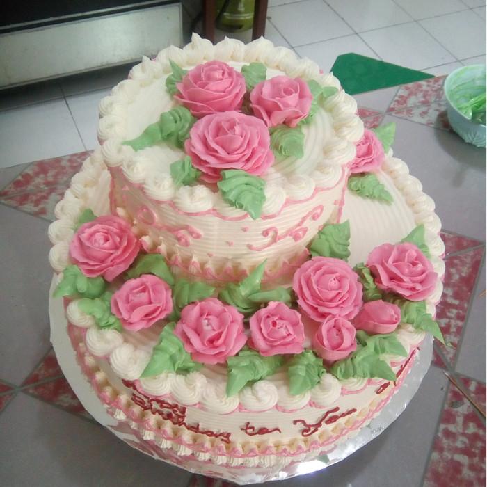 Jual Kue Ulang Tahun Dan Pernikahan Tingkat Dua Kab Sukoharjo Muyatnie Bakery Tokopedia