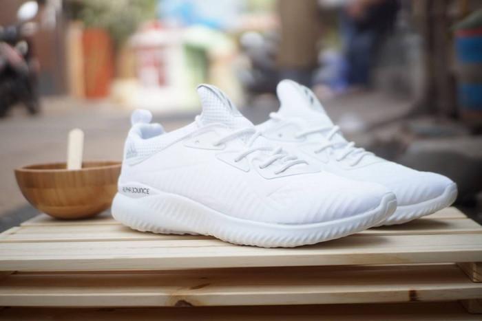 harga Adidas alphabounce / putih white pria running fitness olahraga voli Tokopedia.com
