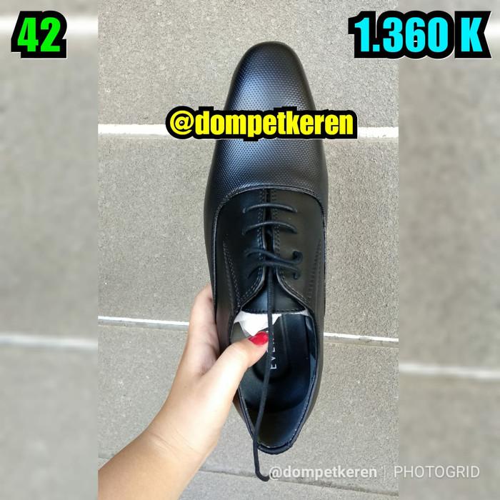 harga Sepatu everbest boots 100% original brand & leather (imported) Tokopedia.com