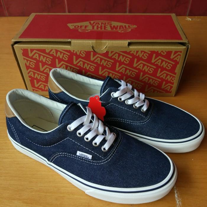Jual Sepatu Vans Original d1024542dd