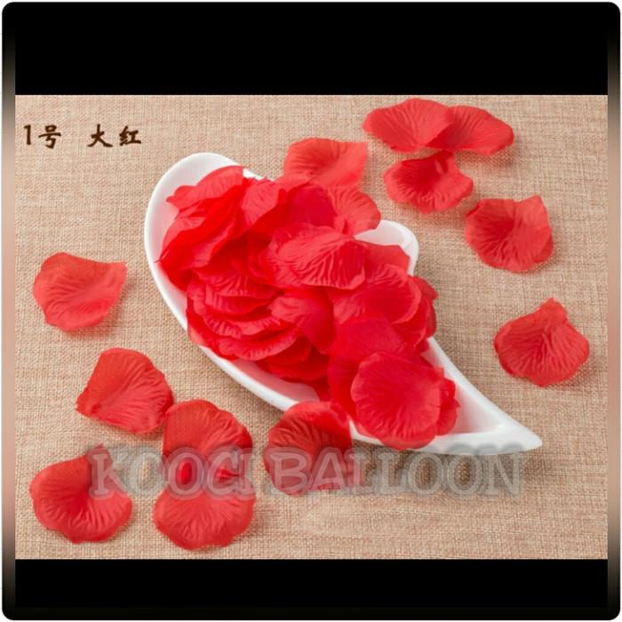 Foto Produk Kelopak bunga mawar imitasi palsu kain warna merah red/rose petal red dari kooci art