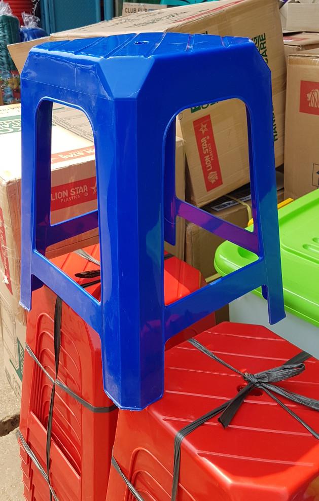 75 Kursi Plastik Kotak Terbaik