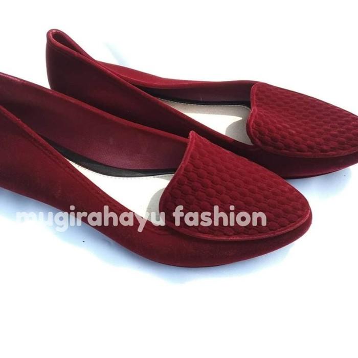 Jelly Shoes Glass Anyam - Sepatu Flat Karet Beludru Wanita - Hitam, 36