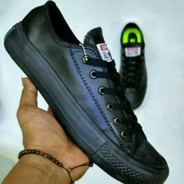 Jual Sepatu All Star Converse Chuck Taylor Hitam Full Black Kulit ... f05ee1451