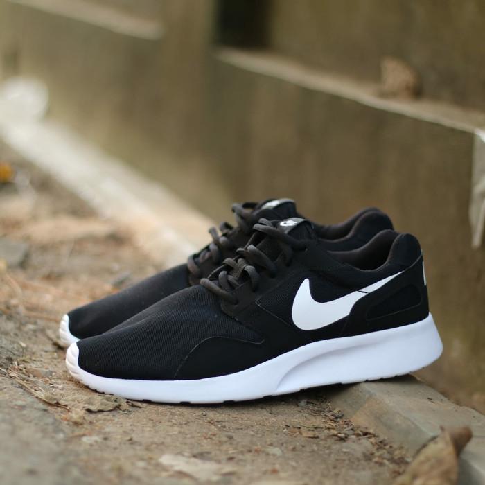 the latest e2030 6ff71 Nike Kaishi Run Black White ORIGINAL Running Shoe For Men.