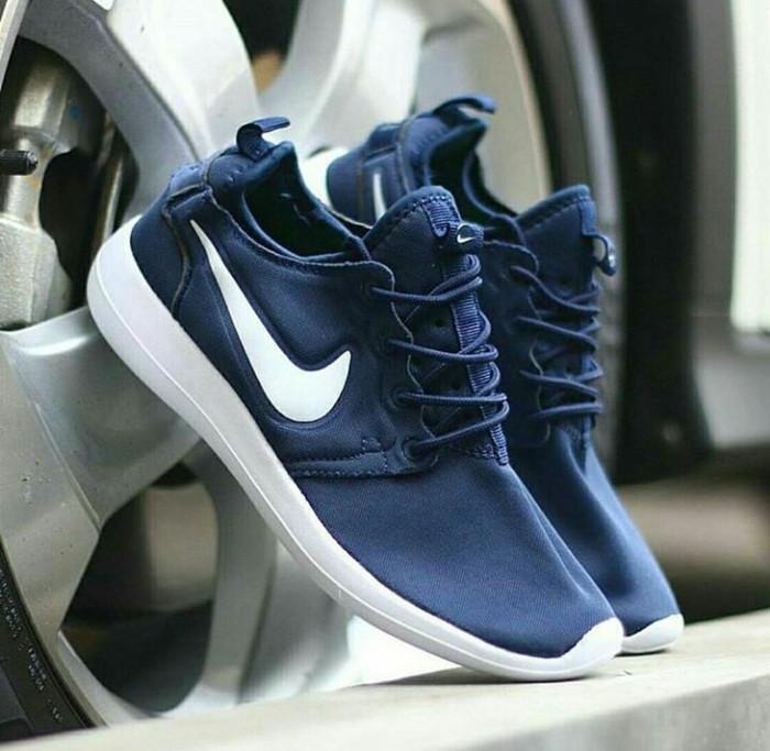 wholesale dealer 87a95 631f0 Jual Sepatu nike roshe run 2 navy white sepatu running.sneakers - Jakarta  Selatan - ASSA_SPORT | Tokopedia
