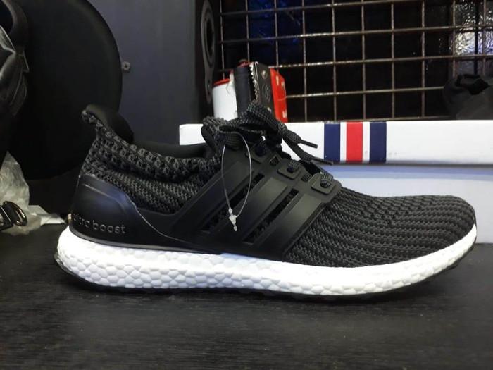 4c6a7ab3e7810 Jual Adidas Ultra Boost 4.0 Core Black White - Kota Bandung ...