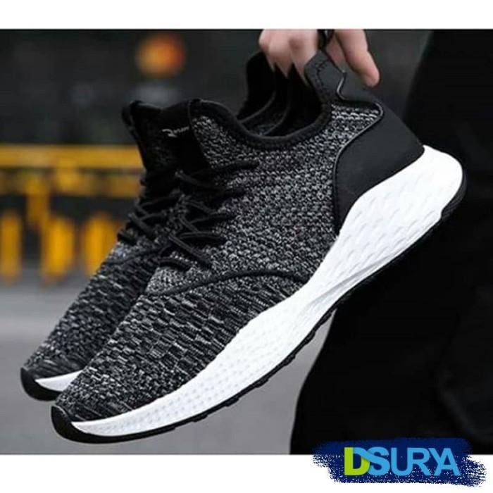 harga Sepatu adidas tubular fashion 02 - olahraga sneaker running Tokopedia.com
