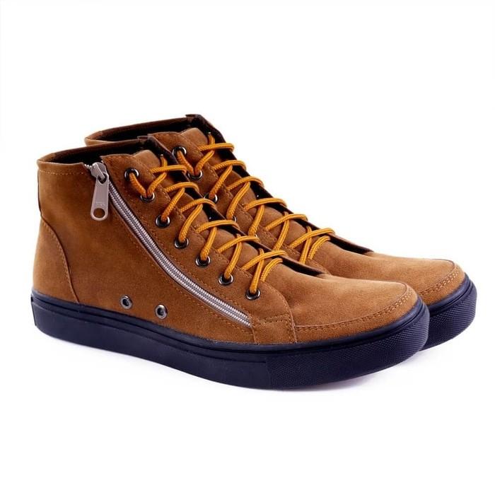 Sepatu sneakers / kasual pria kulit coklat tan garucci gsy 1216