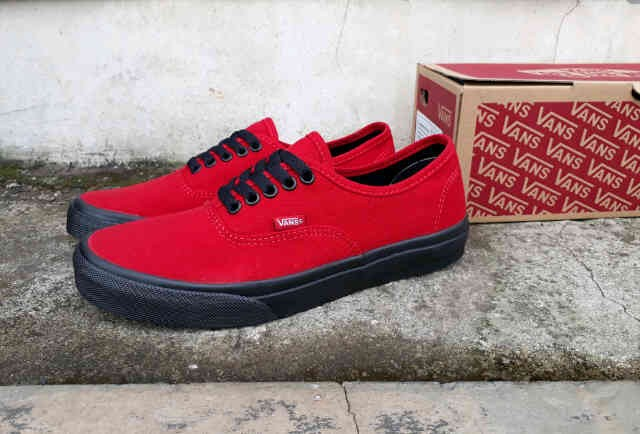 Jual Sepatu Casual Pria Sepatu Vans Original Vietnam gratis kaos ... 986a0a0c96