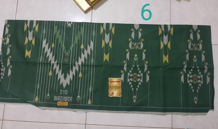 Foto Produk Sarung wadimor motif bhs dari tiga sinar mas